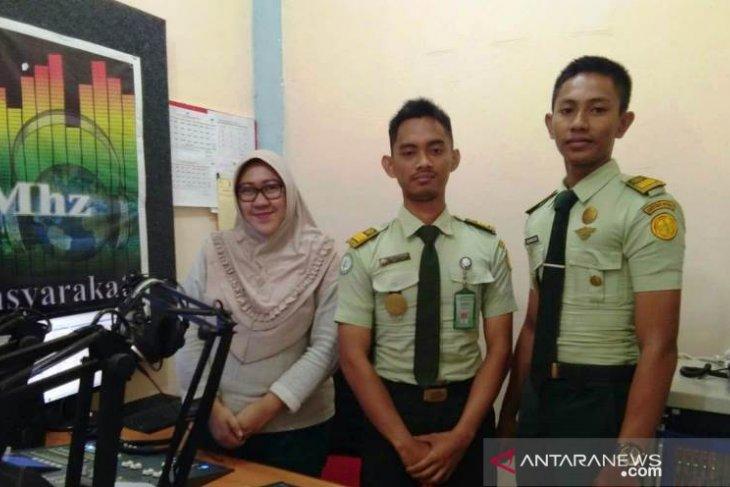Di perbatasan Indonesia - Malaysia, Mahasiswa Polbangtan Medan mengudara lewat RRI