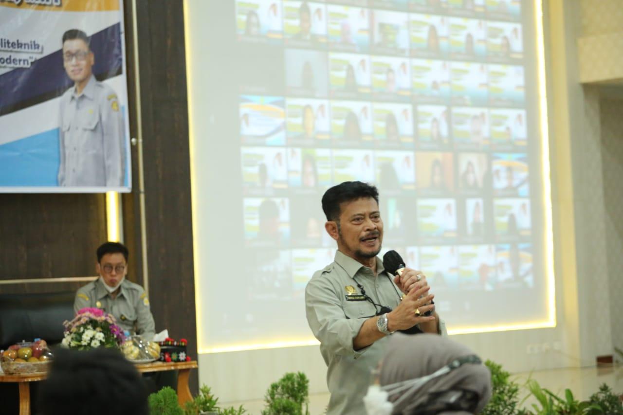 Mentan SYL Motivasi Mahasiswa Pertanian Medan Jadi Motor Pertanian