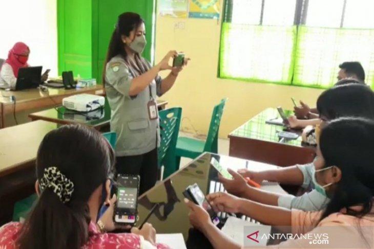 Penyuluh BPP Sergai latihan buat video penyuluhan pertanian lewat HP