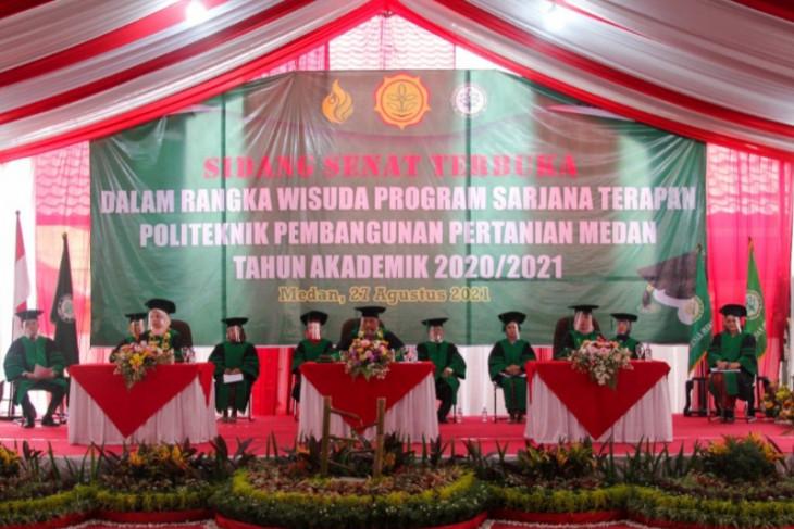 Gelar wisuda sarjana terapan pertanian, Polbangtan Medan cetak 198 lulusan berkompeten