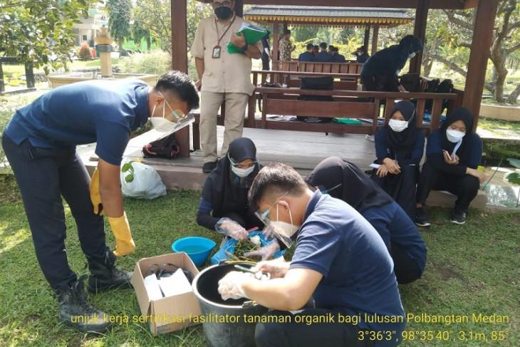 Polbangtan Medan fasilitasi sertifikasi fasilitator pertanian organik bagi alumni